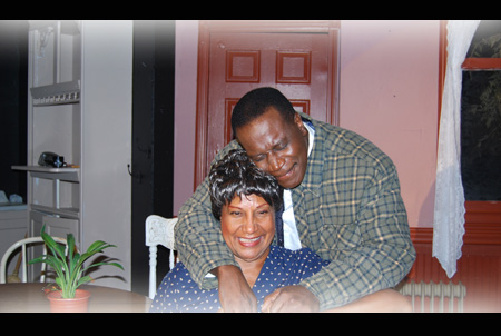 Anthony Bean as Walter Lee & Pat McGuire Lee as Mama in 'A Raisin in the Sun'